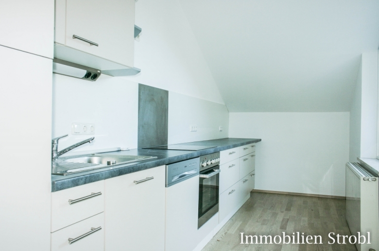 5-Zimmer-Dachgeschoss-Wohnung in Grödig bei Salzburg zu mieten.